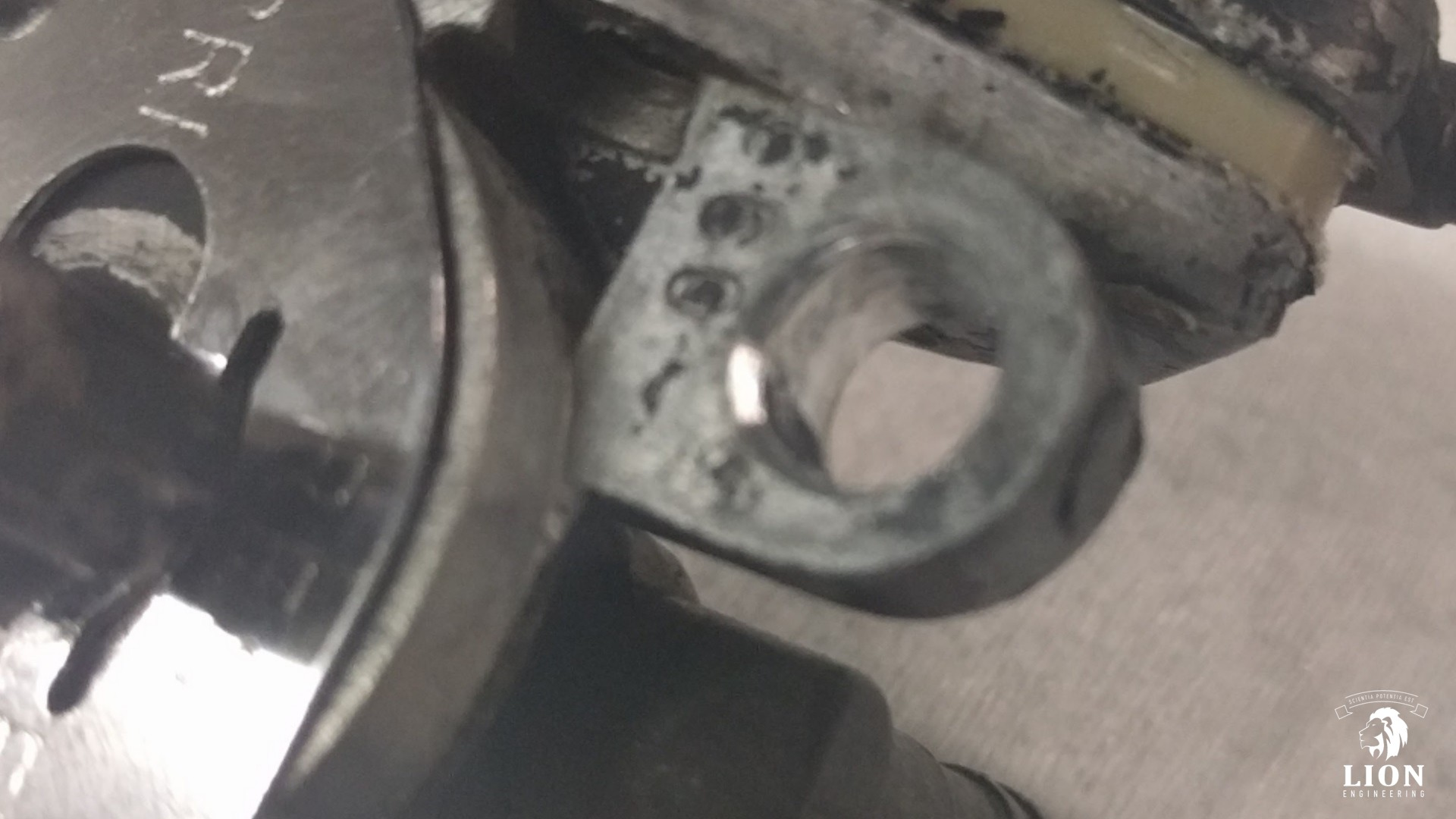 Benzinekraan reparatie met inserts